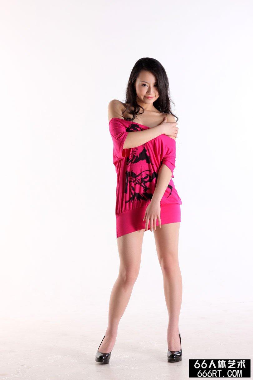 国产名模杨芳09年3月13日棚拍