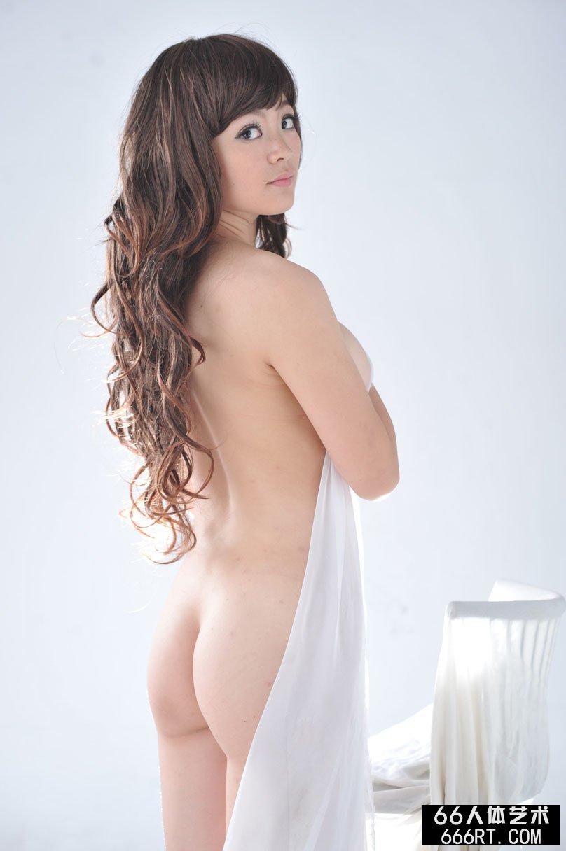 美艳年轻绝品名模苏茜11年9月17日棚拍