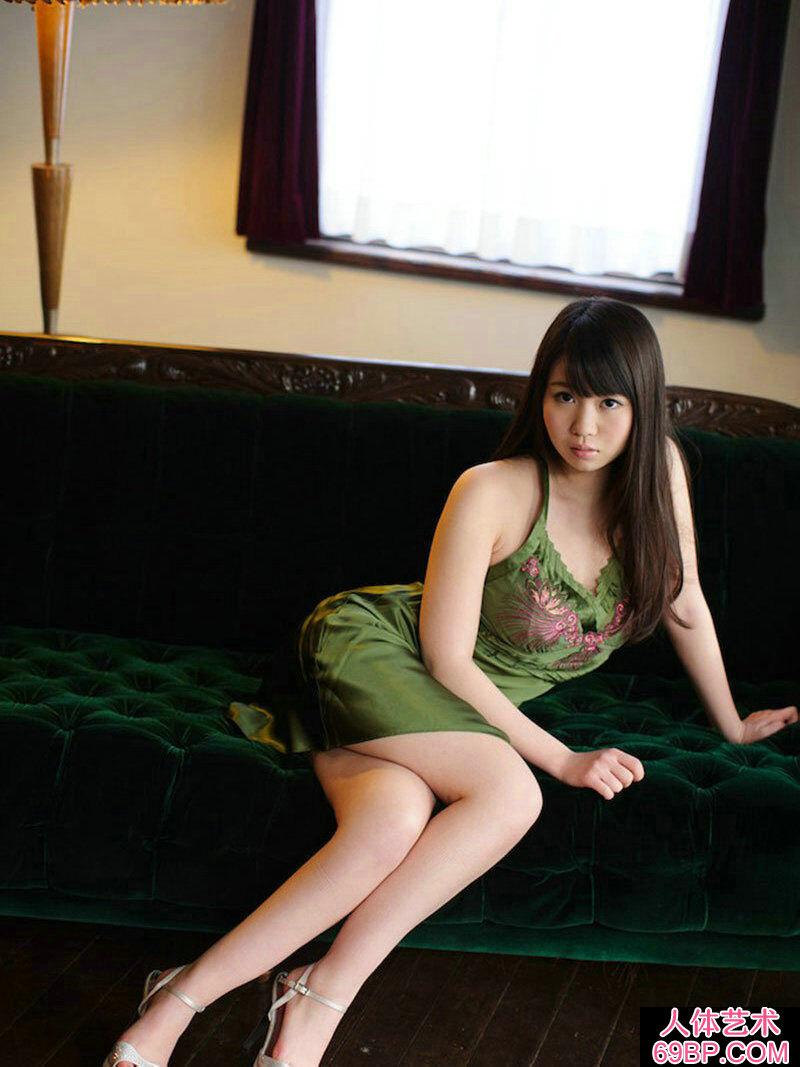 丰美�赡勰勰�裟�廴A美丽私房照片