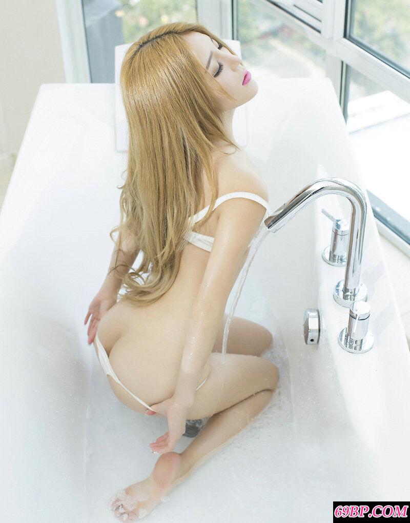 国模candy酒店拍摄超妖娆人体艺术